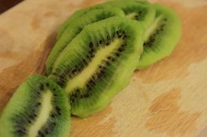 Tarta cu crema de vanilie si kiwi (Tarte aux kiwis)