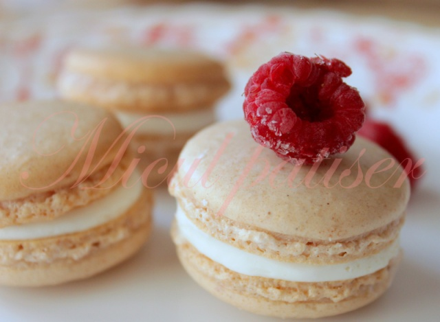 Macarons si colorantii naturali - Episodul 1 - Rosu/Roz