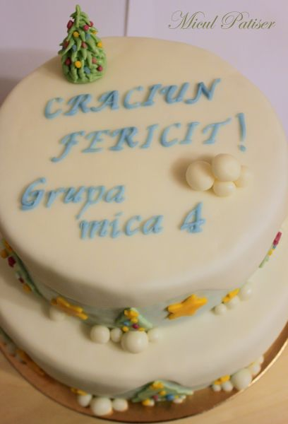 """Tort etajat cu decoratiuni de iarna - """"Craciun Fericit"""""""