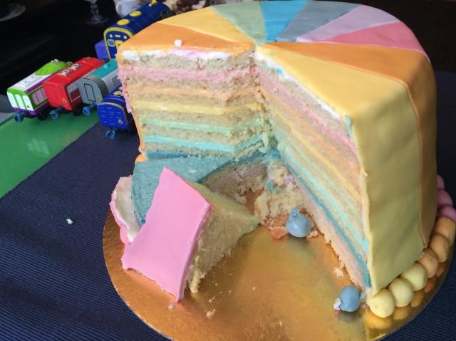 Sectiunea - Tort curcubeu colorat natural
