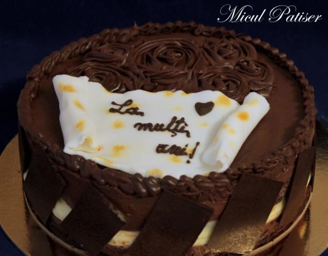 Tort de ciocolata si lamaie