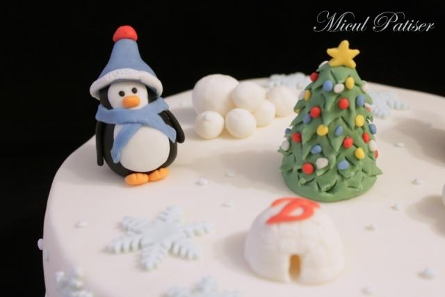 Tort de Craciun cu pinguini