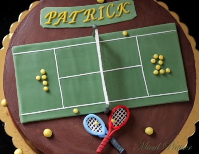 Tort cu tema tenis pentru Patrick