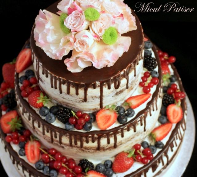 Tort naked pentru majorat / nunta