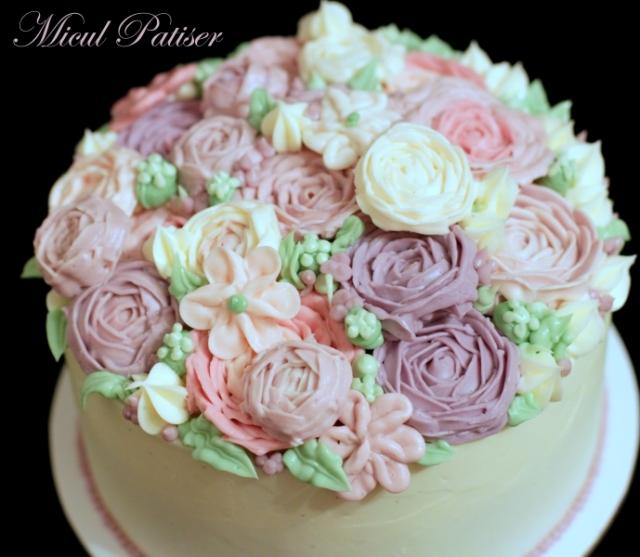 Tort cu flori din crema de unt pentru Ana
