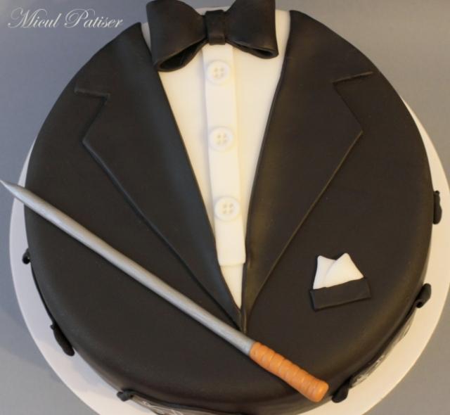 Tort aniversar pentru un dirijor