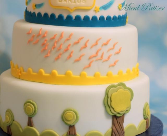Tort si candy bar pentru botez - Micul Patiser