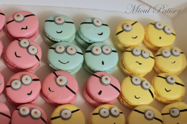 Macarons minion Micul Patiser