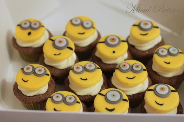 Minicupcakes minion Micul Patiser