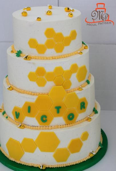 Tort pentru botez tema albinute